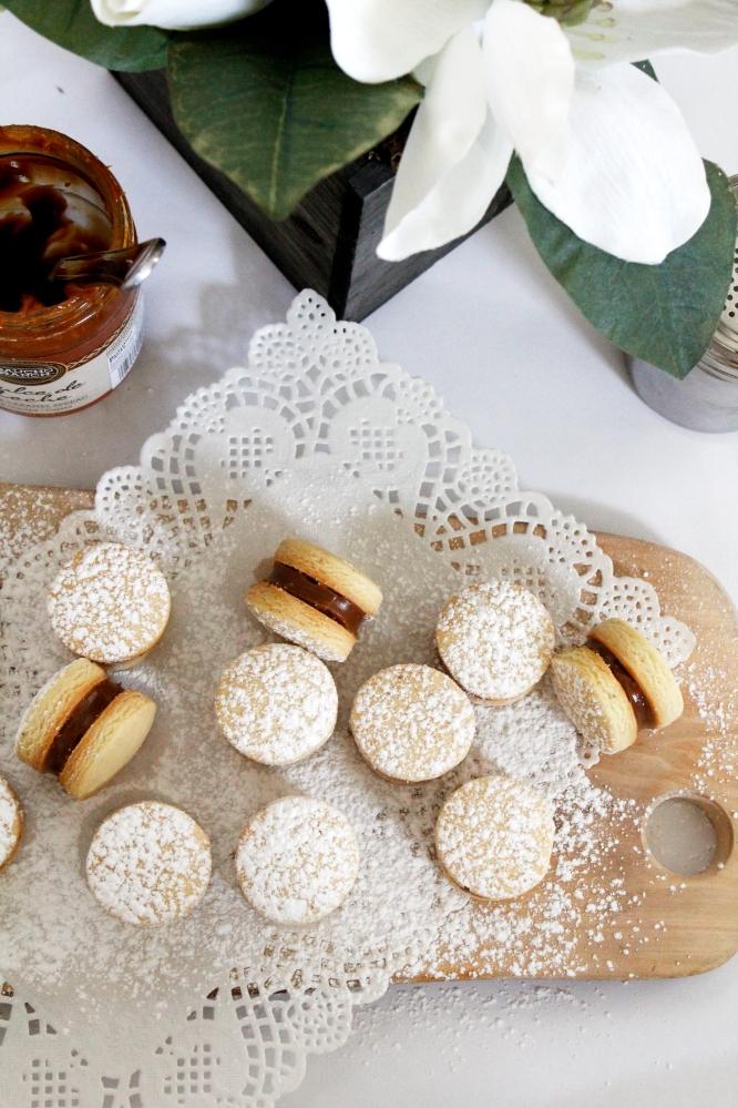 حلوى الفاخر Alfajores